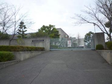 富田林市立葛城中学校の画像1