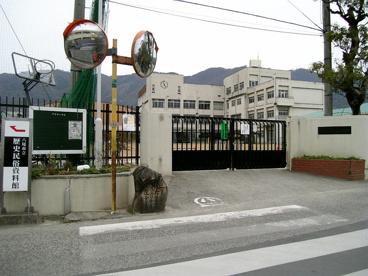 八尾市立 中高安小学校の画像1