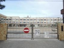 東伊興小学校