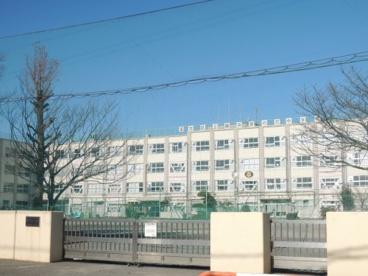 足立区立鹿浜菜の花中学校の画像1