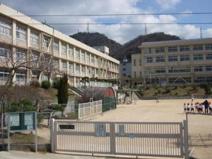 神戸市立鶴甲小学校