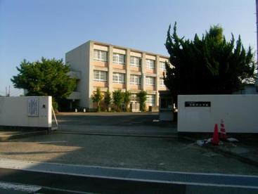 泉佐野市立日根野小学校の画像1