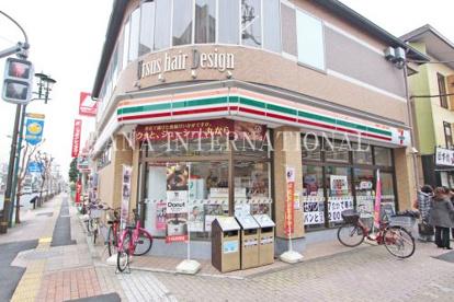 セブンイレブン 足立竹ノ塚駅東店の画像1