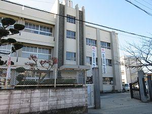 富田林市立第一中学校の画像1