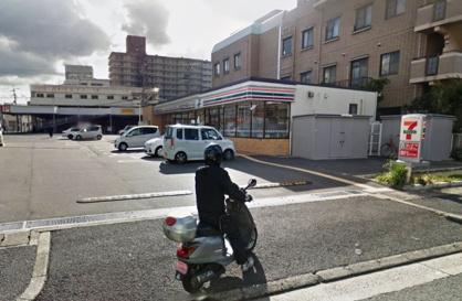 セブン−イレブン泉佐野羽倉崎駅前店の画像1