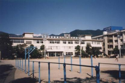 甲府市立新紺屋小学校の画像1