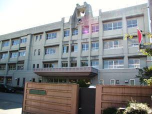 甲府市立西中学校の画像1