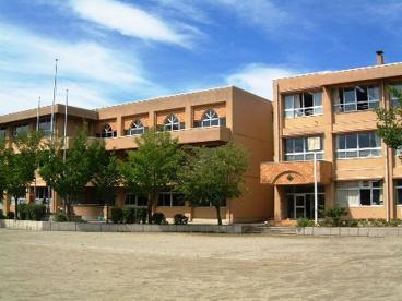 甲府市立東小学校の画像1