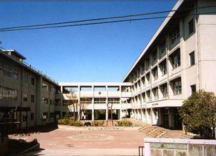 甲府市立北中学校の画像1