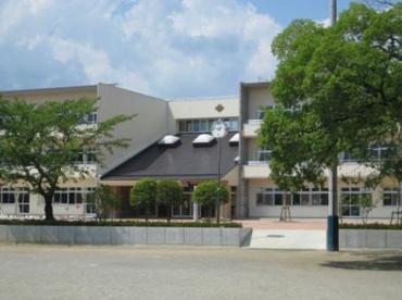 甲府市立朝日小学校の画像1
