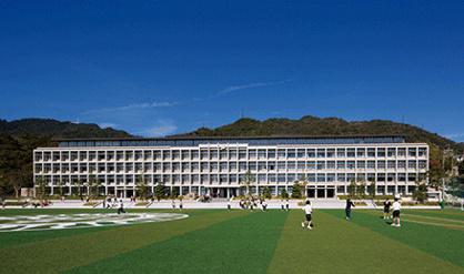 六甲学院中学校・高等学校の画像1
