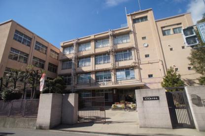 瓜破西中学校の画像1