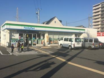 ファミリーマート堺堀上町店の画像1