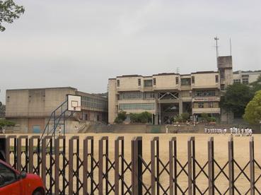 四條畷市忍ケ丘小学校の画像1