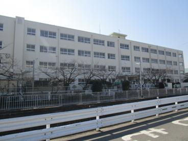 高槻市立柳川小学校の画像3