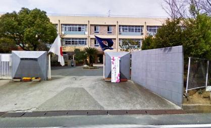 和泉市立鶴山台北小学校の画像1