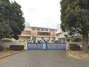 秦野市立鶴巻小学校の画像1