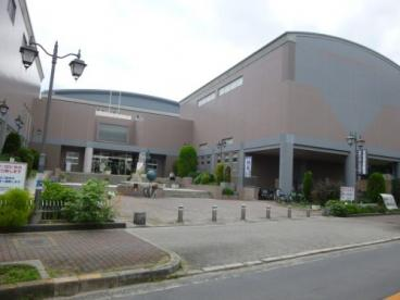 大阪市立東淀川図書館の画像1