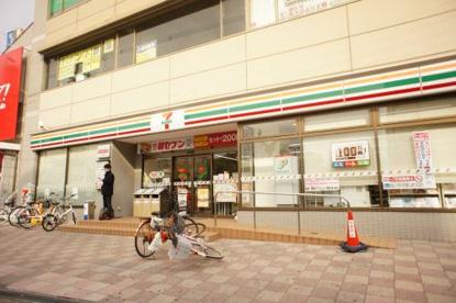 セブン−イレブン 大阪出戸駅前店の画像1