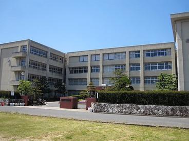 橿原中学校の画像1