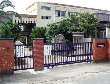 泉佐野市立小学校 長南小学校の画像1