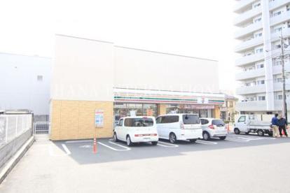 セブンイレブン 足立江北1丁目店の画像1