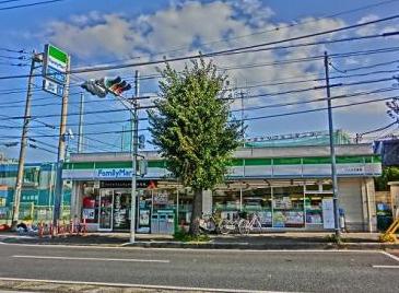 ファミリーマートニック片倉店の画像1
