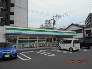 ファミリーマート 八幡西三ヶ森店の画像1