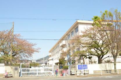 北九州市立中尾小学校の画像1
