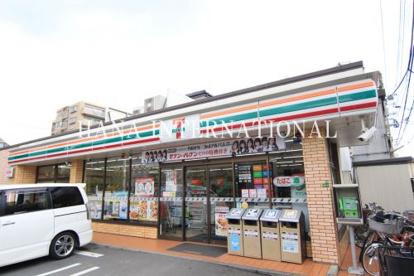 セブンイレブン足立梅田2丁目店の画像1