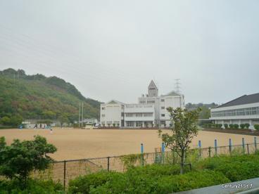 宝塚市立すみれガ丘小学校の画像2