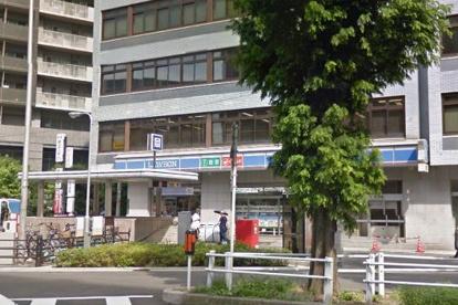 ファミリーマート 中崎西二丁目店の画像1