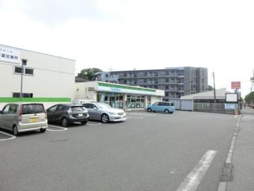 ファミリーマート 千葉都町店の画像1