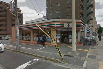 セブン−イレブン 神戸本山駅南店の画像1