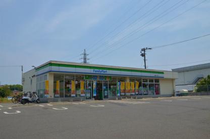 ファミリーマート八幡藤原一丁目店の画像1