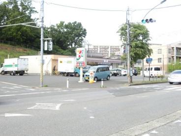 セブン−イレブン 千葉都町店の画像1
