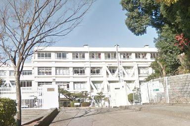 牛田中学校の画像1