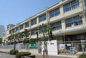 大阪市立豊崎中学校の画像1