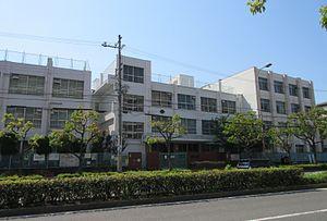 豊崎東小学校の画像1