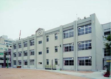 大阪市立西天満小学校の画像1