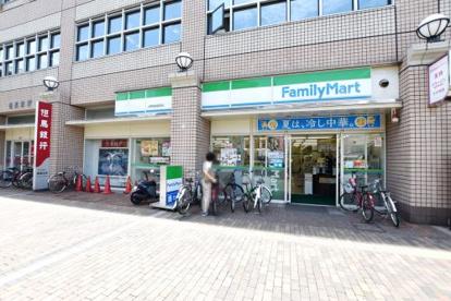 ファミリーマートJR西宮駅南店の画像1