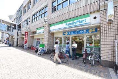 ファミリーマートJR西宮駅南店の画像2