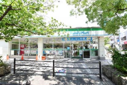 ファミリーマートJR西宮駅北口店の画像2