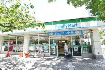 ファミリーマートJR西宮駅北口店の画像3