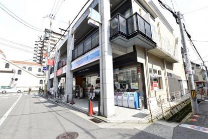ローソン 甲東園駅前店の画像2