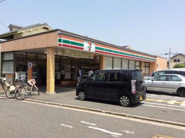 セブンイレブン 堺東雲東町店の画像1