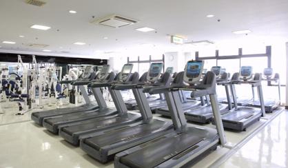 東急スポーツオアシス梅田店|フィットネスクラブ・ジムの画像1