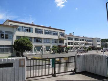 八王子市立由井第二小学校の画像1