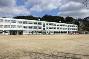 皆瀬小学校の画像1