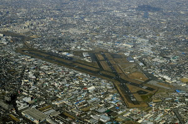 八尾空港の画像